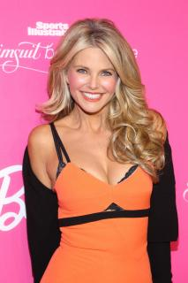 Christie Brinkley [2400x3600] [1156.71 kb]