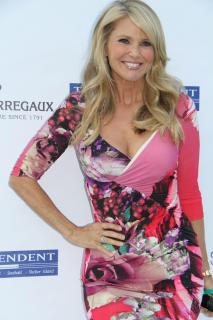 Christie Brinkley [2074x3110] [708.65 kb]