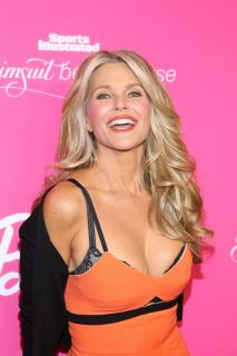 Christie Brinkley [2400x3600] [1325.57 kb]