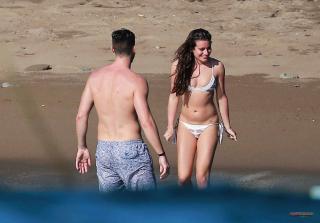Lea Michele en Bikini [2500x1747] [390.1 kb]