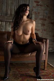 Alexandra Tyler en Playboy Desnuda [683x1024] [149.16 kb]