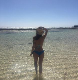 Lola Ortiz en Bikini [1080x1107] [287.16 kb]