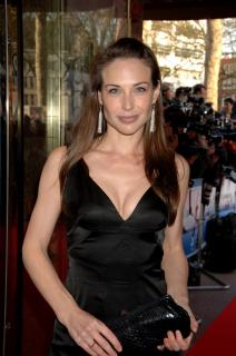 Claire Forlani [1660x2500] [369.36 kb]