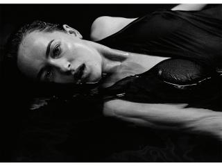Dakota Johnson [600x450] [37.9 kb]
