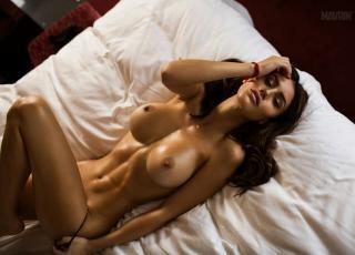 Silvia Caruso Desnuda [1280x923] [203.52 kb]