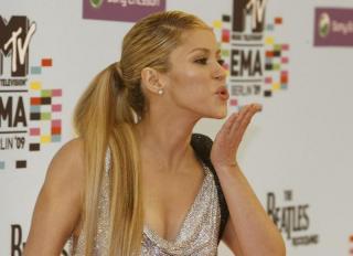 Shakira [800x580] [48.2 kb]