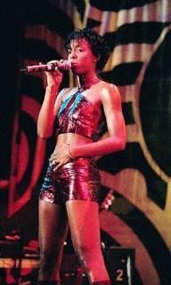 Kelly Rowland [300x500] [32.95 kb]