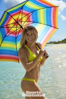 Eugenie Bouchard en Si Swimsuit 2017 [1280x1920] [341.94 kb]