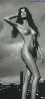 Carla Collado Nue [504x1102] [60.54 kb]