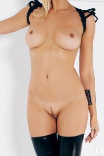 Irina Voronina en Playboy Desnuda [683x1024] [64.94 kb]