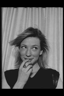 Cate Blanchett [2048x3072] [456.01 kb]