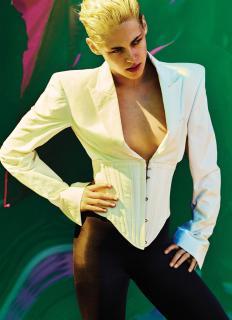 Kristen Stewart en V Magazine [2920x4013] [1163.54 kb]