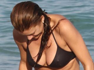 Kate Walsh en Bikini [1200x900] [107.93 kb]