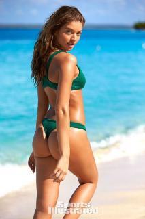Daniela Lopez Osorio en Bikini [600x900] [80.1 kb]