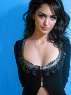 Nazanin Boniadi [570x760] [74.14 kb]