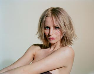 Sienna Guillory [3000x2387] [869.69 kb]
