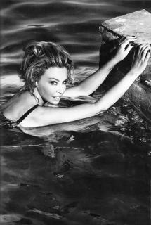 Kylie Minogue [662x984] [99.92 kb]