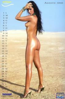 Alessia Merz en Calendario 2005 Desnuda [850x1283] [126.95 kb]