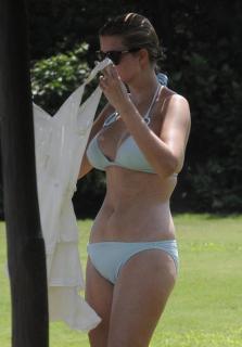 Ivanka Trump en Bikini [984x1411] [124.08 kb]