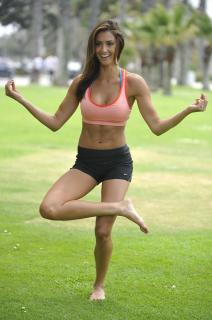Katie Cleary [1996x3000] [492.92 kb]