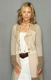 Maria Bello [1915x3000] [498.9 kb]