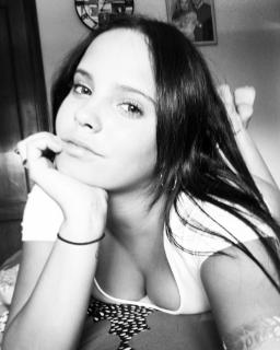 Gloria Camila Ortega [1080x1349] [175.17 kb]