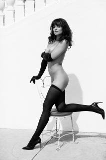 Nina Daniele en Playboy Desnuda [1920x2880] [533.71 kb]
