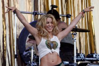 Shakira [1350x900] [176.26 kb]