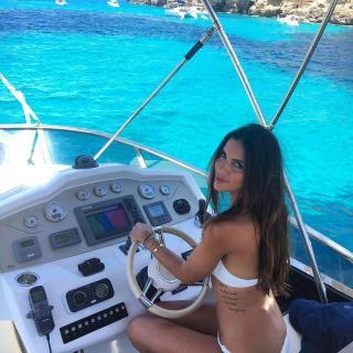 Melissa Jiménez en Bikini [1080x1080] [316.21 kb]