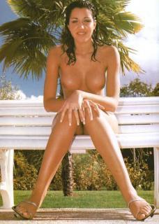 Nuria Bermúdez en Topless [489x685] [59.64 kb]