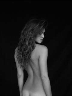 Jehane 'Gigi' Paris Desnuda [1500x2000] [257.21 kb]