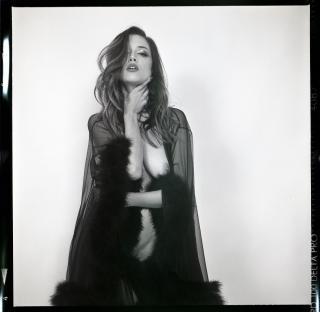 Lauren Summer Desnuda [3000x2934] [1670.77 kb]