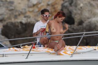 Rita Ora in Topless [1550x1032] [210.85 kb]