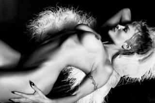 Pamela Anderson [1200x800] [122.14 kb]