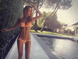 Alejandra Onieva en Bikini [1080x824] [162.64 kb]