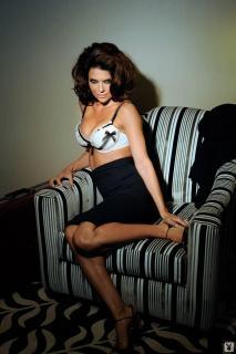 Lisa Rinna in Playboy [1066x1600] [152.08 kb]