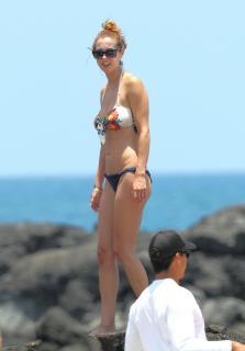 Eva Amurri en Bikini [2092x3000] [286.6 kb]