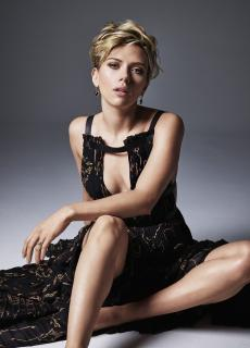 Scarlett Johansson en Cosmopolitan [1153x1602] [291.08 kb]