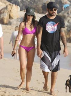Paula Méndez en Bikini [634x858] [101.06 kb]
