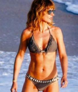 Emma García in Bikini [490x578] [46.77 kb]