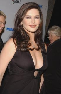 Catherine Zeta Jones [782x1200] [103.47 kb]