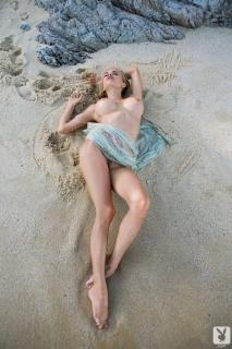 Dani Mathers en playboy desnuda [683x1024] [231.77 kb]