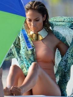 Jennifer Lopez [900x1200] [106.17 kb]