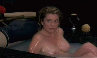 Video Catherine Deneuve Nude - Pola X (1999)