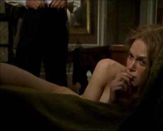 Video Keira Knightley Nude, Sex Scene - Doctor Zhivago (2002)