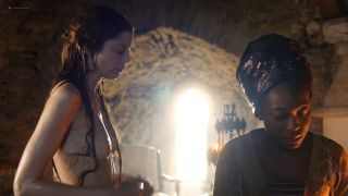 Video Charlotte Hope Nude, Breasts And Buns - The Spanish Princess S1E01