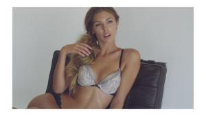 Video Carmella Rose Muy Sexy En Lenceria