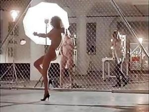 Video Angelina Jolie & Elizabeth Mitchell Nude In Movie Gia
