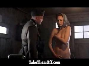 Video Leelee Sobieski Made To Undress