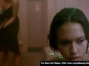 Video Jessica Alba Nude In Movie Paranoid